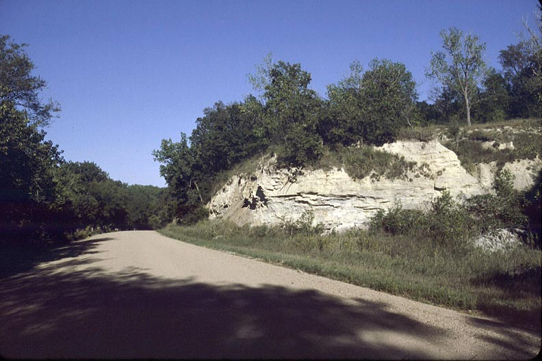 File:Chalk Cliffs & Republican River.jpg